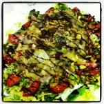 Ensalada de ahumados con salsa de miel y mostaza