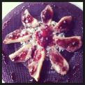 Magret de pato con salsa de fresas y frambuesas al oporto